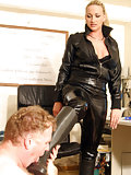 Kelly lets a guy to worship her riding boots