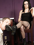Annika gets a boot worship from her admirer